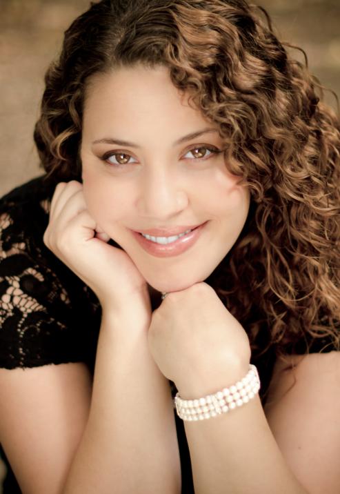 Nazan Fikret, Soprano