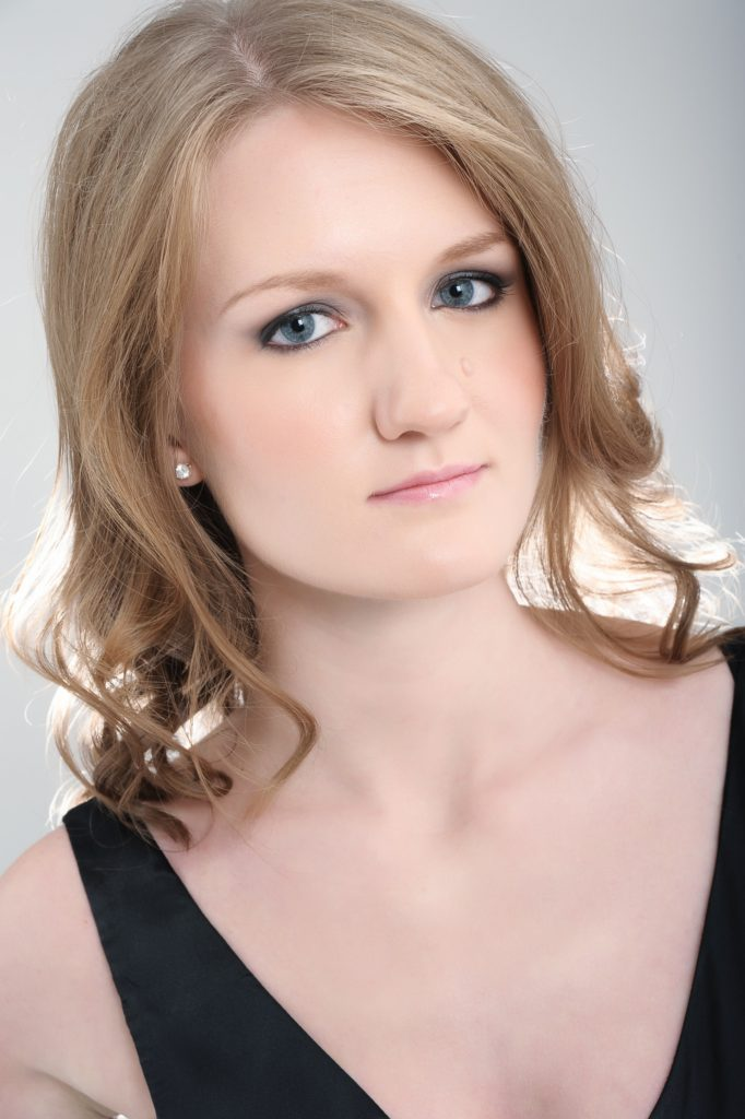 Lana Bode, pianist