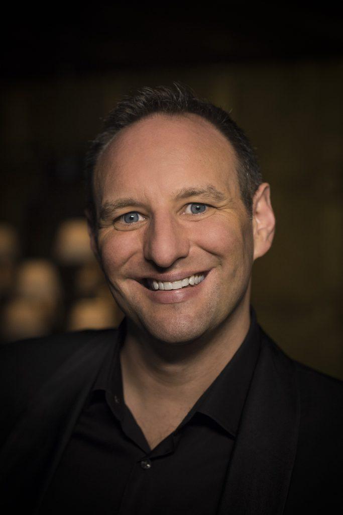 Brad Cooper (tenor)